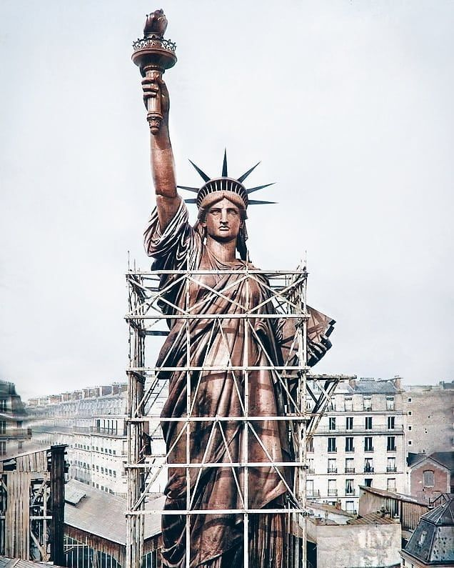 The Statue Of Liberty In Its Original Copper Form In Paris Before It Was Transported To New York City 1886 In 2020 Statue Of Liberty Rare Historical Photos Statue