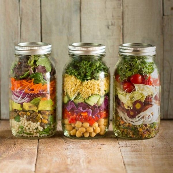 Best ways to build a healthy salad at the salad bar!