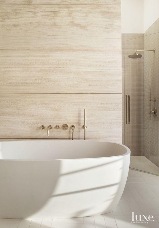 Une salle de bain luxueuse | design d'intérieur, décoration, salle de bain, luxe. Plus de nouveautés sur http://www.bocadolobo.com/en/inspiration-and-ideas/