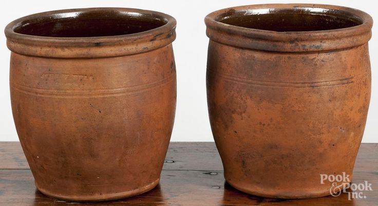 Pair of Pennsylvania redware crocks, 19th c. - Price Estimate: $100 - $200