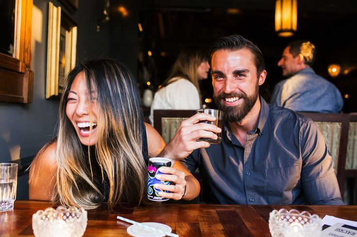 Let us help you plan the best things to do on a first date in Chicago, from live comedy to cocktail bars to mini golf