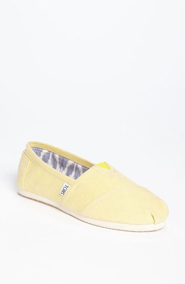 Mellow, yellow TOMS