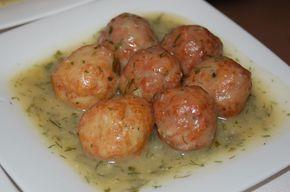 Hoy te traemos un truco para que tus hijos coman pescado: estas albóndigas de atún que le encantarán a toda la familia. Ingredientes para las albóndigas: 1 rodaja de atún de 1 kg 2 dientes de ajo 2 huevos 2-3 cucharadas de pan rallado Harina Aceite de oliva virgen extra Sal yPimienta Perejil picado Cómo …