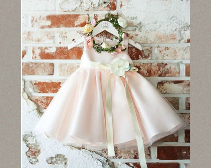 Light Pink Flower Girl dress. Available from 3 months until 12 years old. Material: Satin, polyester fiber, Purified cotton lining, tulle mesh. Free shiping.