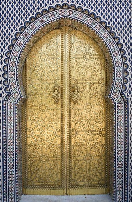 navy and gold in morocco @Stylebeat Marisa Marcantonio Marisa Marcantonio can't wait to return