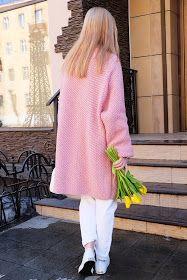 Именно сегодня, когда температура за окном вдруг поднялась до +11, я хочу презентовать свое розовое пальто...