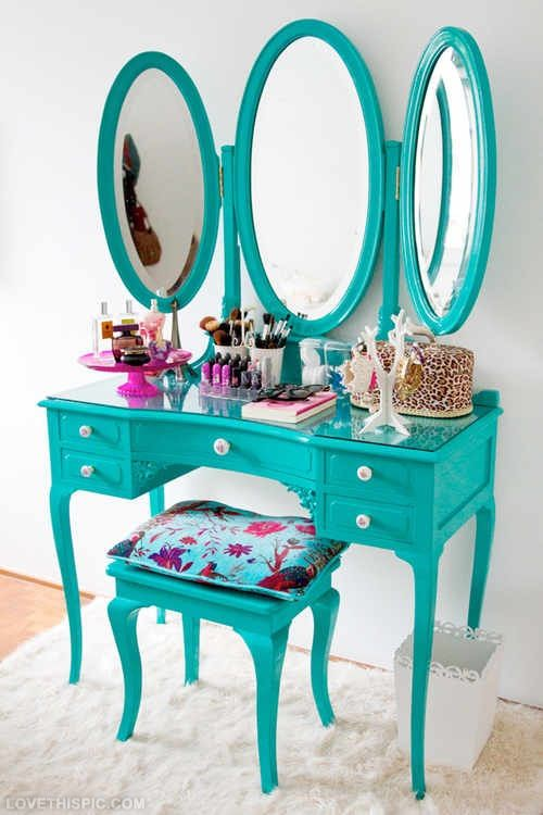 Vanity organization girly cute makeup vanity teal organize for Cute makeup vanity