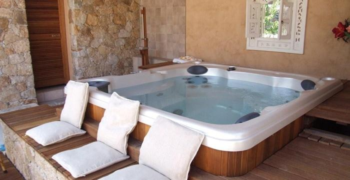 A relaxing indoor spa, ideal for both summer and witer days