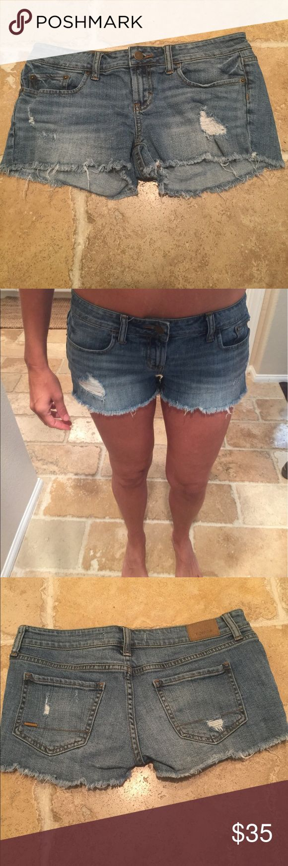 """Lightly distressed jean shorts by R. Jeans Sits low on hip. Medium wash - so cute! 15"""" waist, 8.25"""" long in front 10"""" long in back. Bundle with my other Jean shorts for discount!! R. jeans Shorts Jean Shorts"""