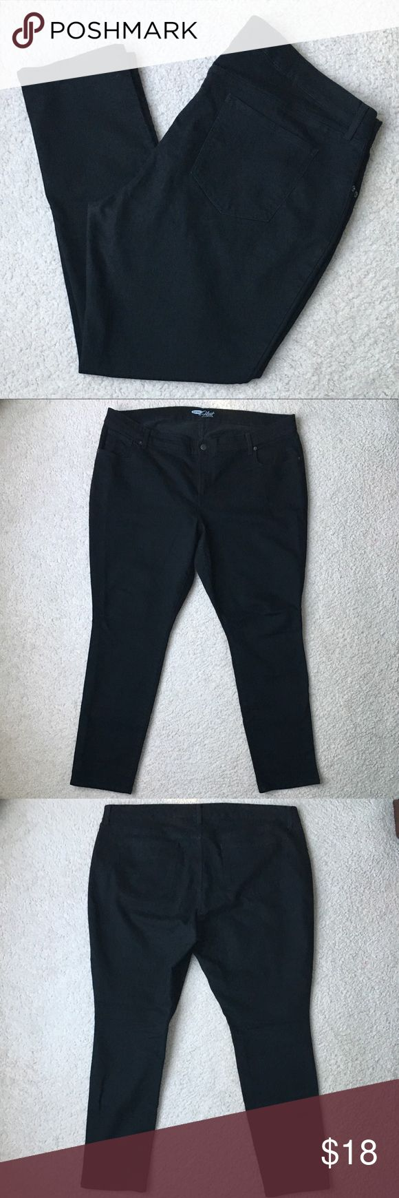 """Old Navy """"The Flirt"""" Black Jeans Size 20 Old Navy """"The Flirt"""" Black Jeans Size 20. Slightly worn between legs as shown in last pic. Worn a few times but still in overall good condition 👖👖. Old Navy Jeans"""