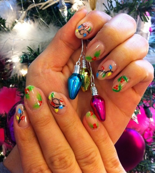 Mistletoe and Christmas lights designs on gel polish