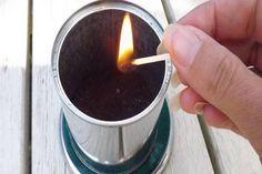 Égő gyufaszálat dobott a kávézaccba, bogárűző
