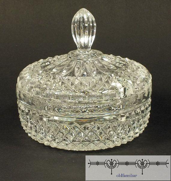 schöne Glasschale mit Deckel für Zucker von oldfamiliar1 auf Etsy