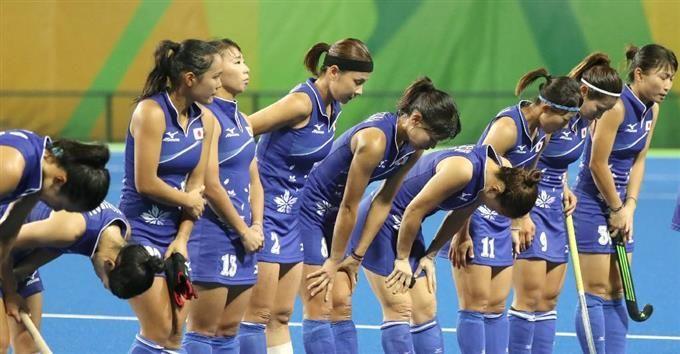米国に敗れ、観客に一礼する日本=リオデジャネイロ(共同) #ホッケー #リオ五輪