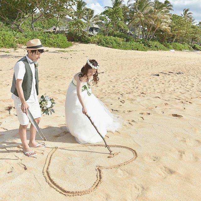 大変お待たせしました♪ #weddingtbt 特集のお時間です♡ 今週の木曜日も、卒花嫁さんたちがたくさん参加してくれていました。プレ花嫁のみなさんは、その素敵なポーズやアイディアをお手本にしましょう☆《前撮り・後撮り・フォトウェディング》や《結婚式・披露宴》の参考になること間違いナシ!