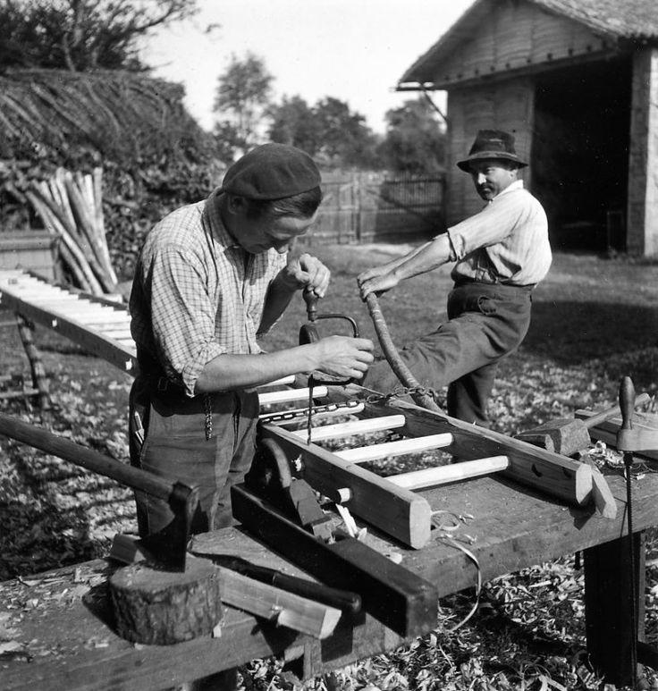 Photo by Robert Doisneau -  Les échelles de Monsieur Soulard, Saint-Sauvant circa 1944