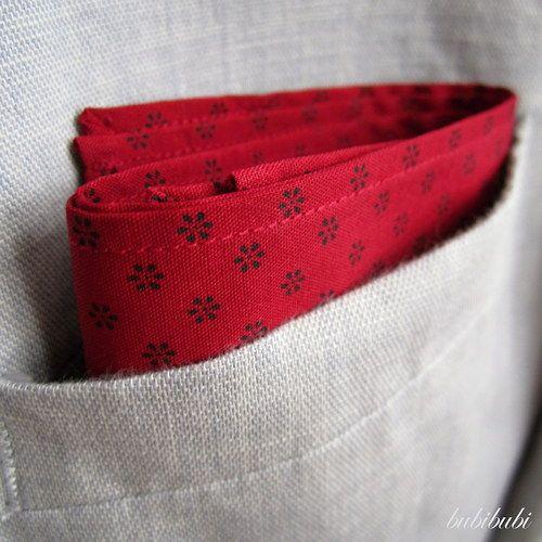 Kapesníček do saka červený s černými kytičkami