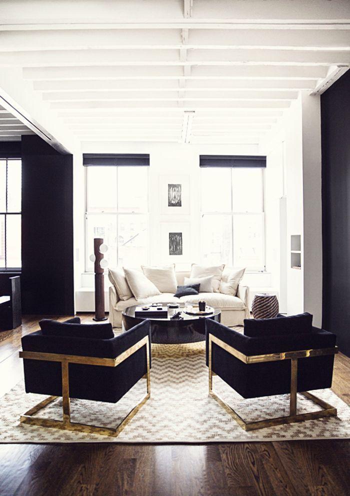 Apartment Berkus Brent Jeremiah Manhattan Nate Partner Photographed Apartment In Manhattan Schwarze Wohnzimmer Wohnzimmermobel Weiss Billige Wohnkultur
