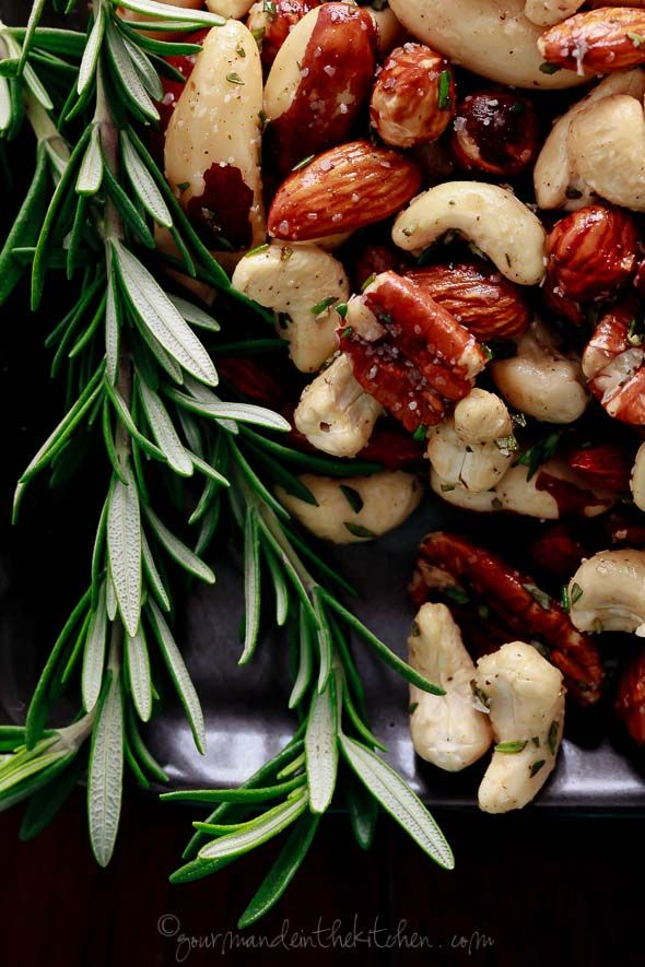 Spicy Rosemary Roasted Nuts | Gourmande in the Kitchen