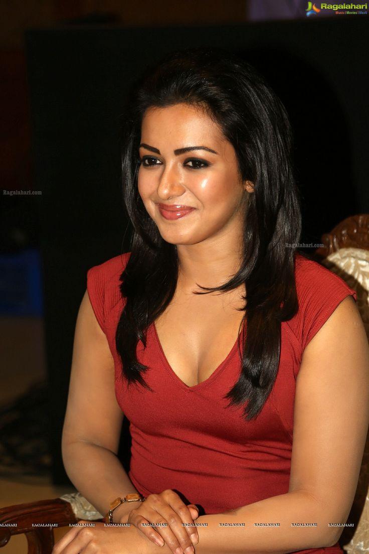 Indian Film Actress Catherine Tresa High Resolution Photos - Image.#catherine #tresa http://www.manchimovies.com