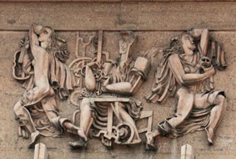 Bas-relief exécuté par Ossip Zadkine sur la façade de l'hôtel de ville de Poissy.