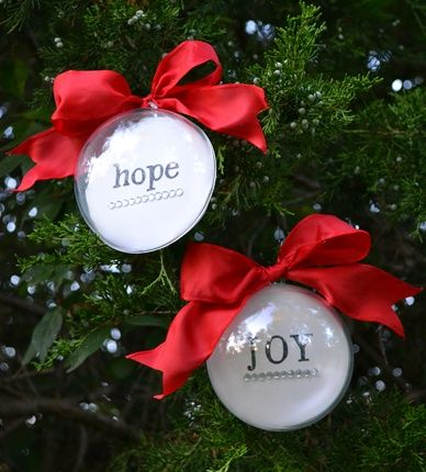 Personalized Christmas Ornaments (Swell Noel Idea #2) | Positively Splendid {Crafts, Sewing, Recipes and Home Decor}