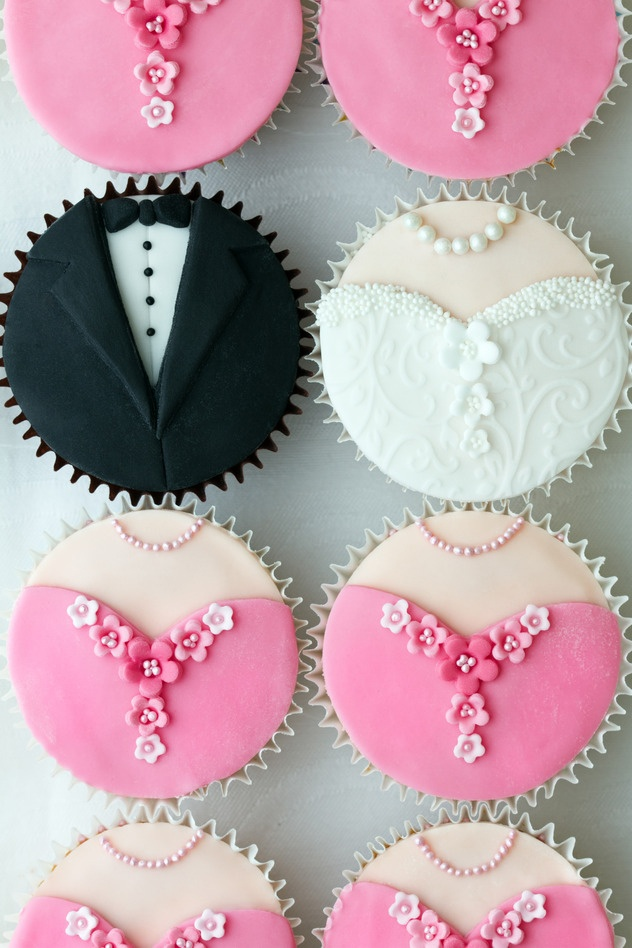 Fun wedding cupcakes and a website for sale, bids starting at $800