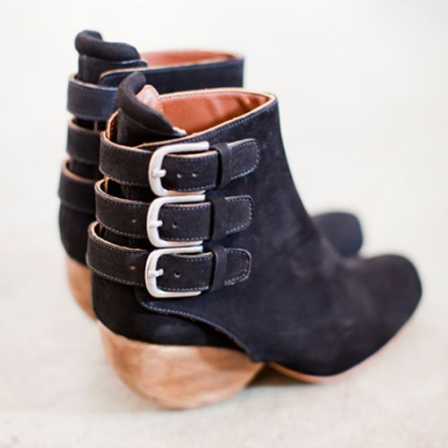 Rachel Comey booties: Rachel Comey, Comey Shingle, Ankle Bootie, Ankle Boots, Buckles Bootie, Black Bootie, Fall Fashion, Winter Boots, Shingle Boots