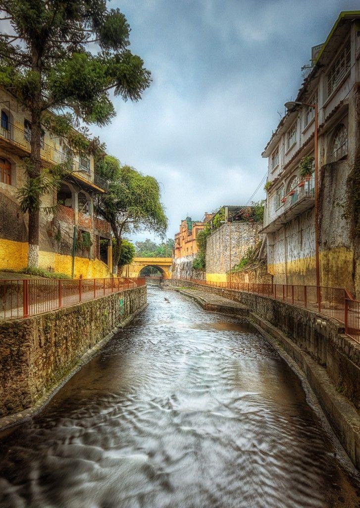 paseo del rio orizaba - The Orizaba River is located in the Mexican state of Veracruz in the town of Orizaba .