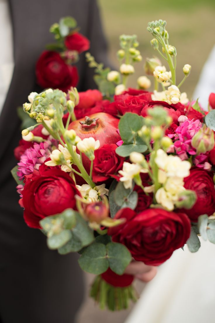 pomegranate wedding bouquet гранатовая свадьба свадебный букет с гранатом