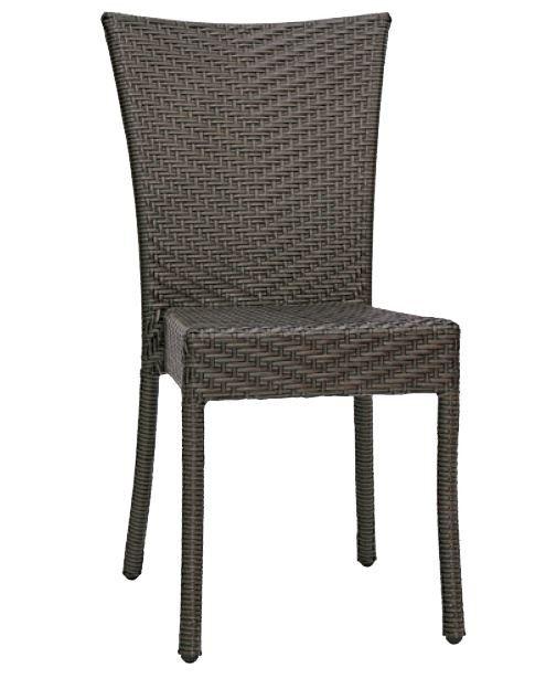 Oggi, con la promozione outlet che vi segnaliamo, questa sedia da esterno potrebbe diventare una delle sedie che arrederanno il vostro giardino! http://www.outletarredamento.it/arredo-giardino/offerta-sedia-struttura-in-alluminio--rivestimento-in-filo-di-polietilene-O-19681.html #offerteoutlet #outletarredamento #sedie #giardino