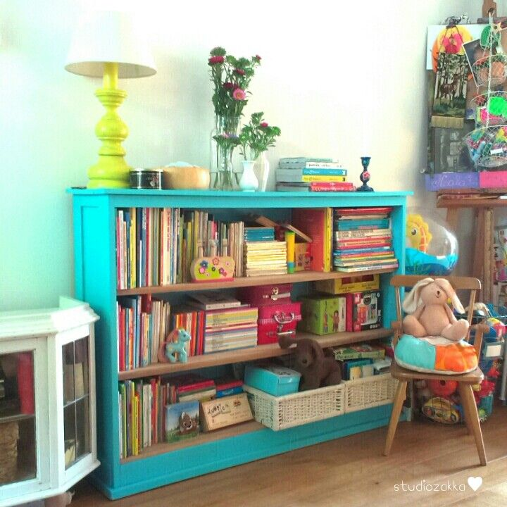 A view of our interior in the living room. The old bookcabinet is filled with lots of beautifull children's books. -Studiozakka-