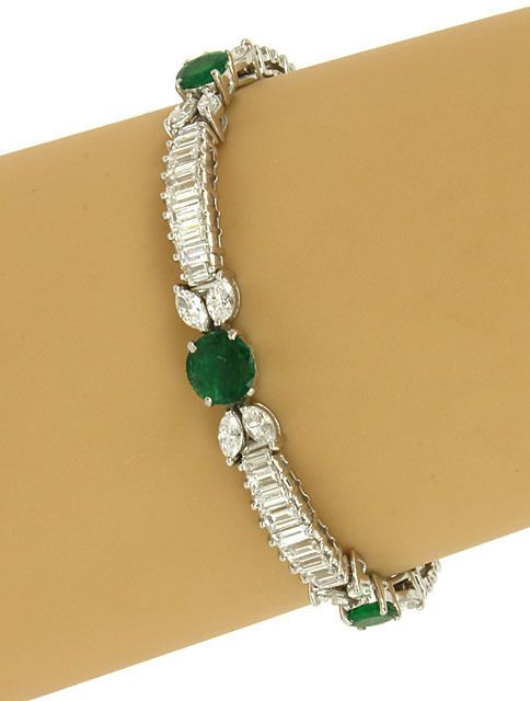 AMAZING SOLID PLATINUM, 11 CTS DIAMONDS & 5.5 CTS EMERALDS LADIES DRESS BRACELET