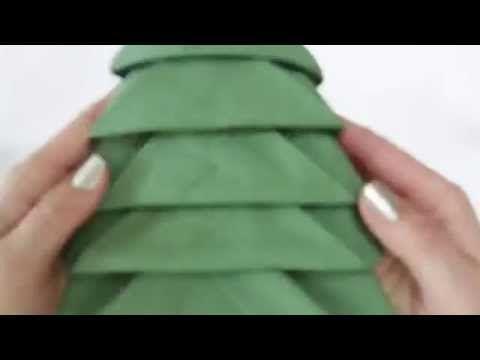 Arbol de Navidad - Como formar la servilleta para tu mesa Instrucciones sencillas que te harán lucir! Christmas Tree Napkin Fold - instructables u.Chef es un...
