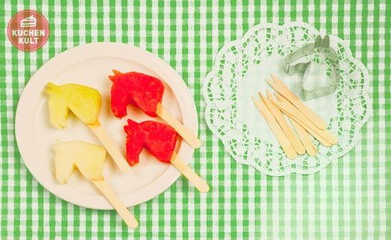 #Partysnack für den #Kindegeburtstag, Melonen-Spieße als Pferdeköpfe,; idea for kids-birtday, #fruit-sticks