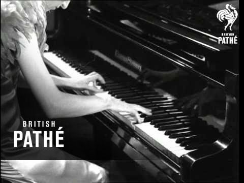 Raie Da Costa (1933), brilliant South African pianist who died young. Appeared with Garda Hall at a concert at the London Palladium.