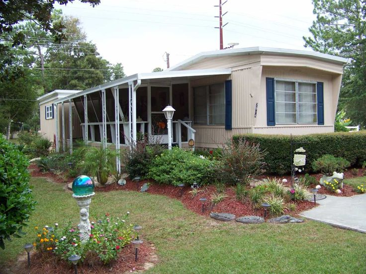 1970 Broadmore Mobile / Manufactured Home in Garden City