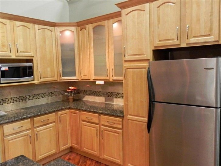Kitchen Design, Delectable Brookfield Light Maple Kitchen ... on Maple Kitchen Cabinets With Black Countertops  id=71042
