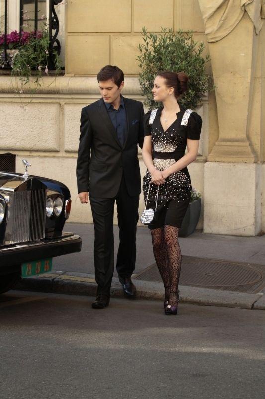 "Hugo Becker And Leighton Meester In ""Belles de Jour"" (S4:E1) | 25 Amazing Fashion Moments On ""Gossip Girl"""