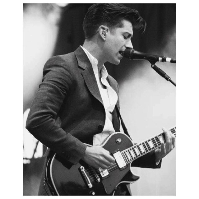 wakemeupat505/2016/09/25 03:24:00/maybe I just wanna be yours, I wanna be yours... ✨🎶 #alexturner #arcticmonkeys #am #song #lyrics #electric #guitar #suit #quiff #concert #microphone #passion #deep #sexy #hot #man #leadsinger #alternative #indie #rock #music #smoke #spotlight #blackandwhite #l4l