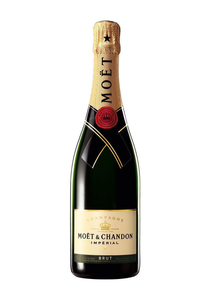 Buy champagne online very easy and we deliver to your yacht at Mallorca