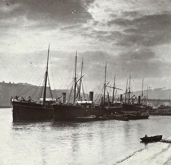 London Docks, c. 1920