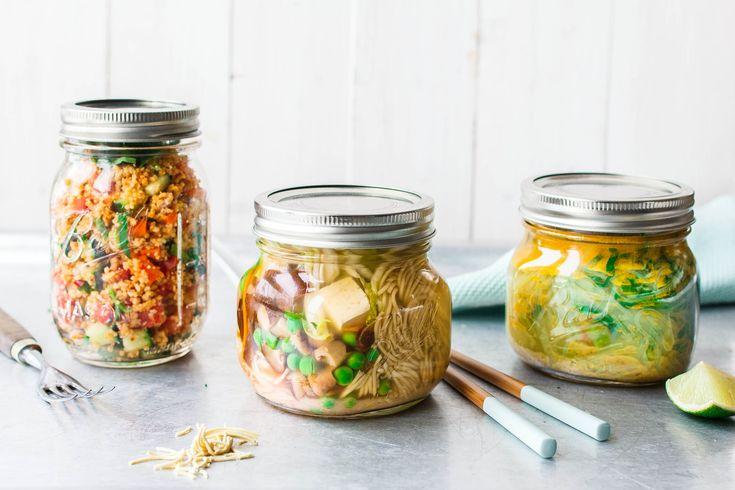 """Suchst du nach einem einfachen und gesunden Mittagessen """"To Go"""" für Büro, Uni & Co.? Dann probier doch mal unsere 3 leckeren, veganen Instant-Snacks!"""
