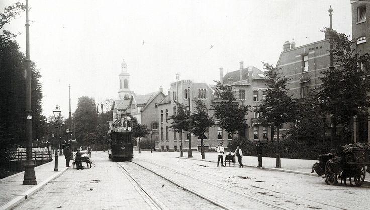 Oudedijk ter hoogte van de Voorschoterlaan richting Viersprong, ca. 1910. motorrijtuig 62, van lijn 5.