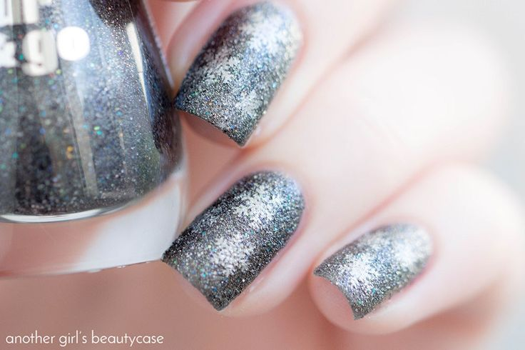 ber ideen zu graue n gel auf pinterest fingern gel graues nagellack und nagellack kunst. Black Bedroom Furniture Sets. Home Design Ideas