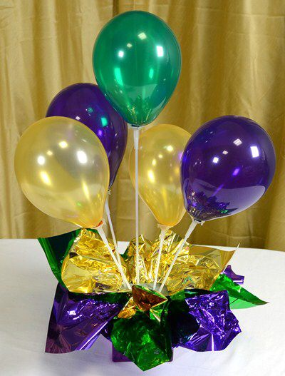 Balloons decoration in table