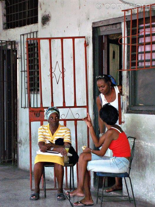 Sisters - Havanna, Cuba - OLYMPUS DIGITAL CAMERA