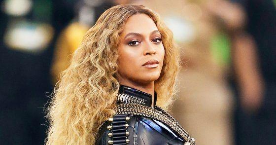 Ünlü pop yıldızı Beyoncé, ikiz bebeklere hamile olduğunu sıra dışı olarak nitelenebilecek bir fotoğraf eşliğinde Instagram hesabından duyurdu. Bir anda interneti ele geçiren bu fotoğraf, 12 saat gibi kısa bir süre içinde 7.1 milyondan fazla kişi tarafından beğenildi. Böylelikle Beyonce...  #Beğenilen, #Beyoncé'Nin, #Çok, #Duyurusu, #Hamilelik, #Instagram, #Oldu, #Paylaşımı, #Tarihinin http://havari.co/beyoncenin-hamilelik-duyurusu-instagram-t