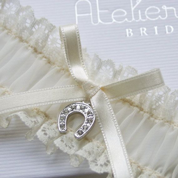 garter horseshoe vintage country wedding bride
