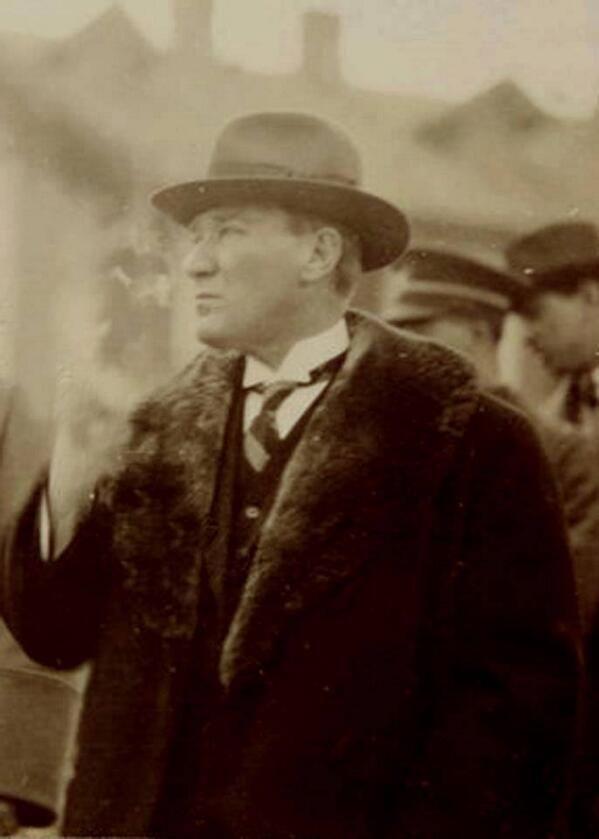 Bitmeyen Sevdadır Mustafa Kemal Atatürk